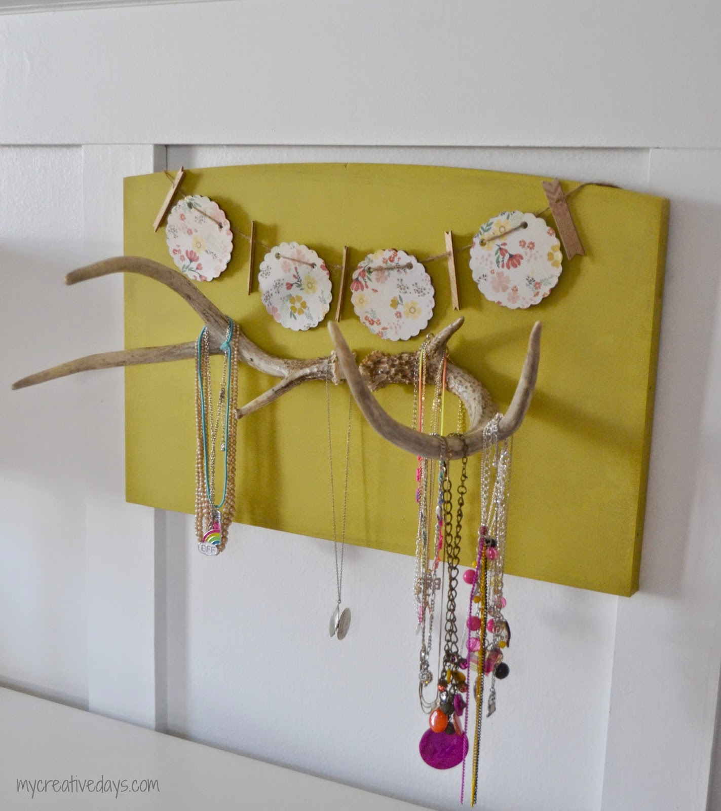 A DIY jewellery holder with an antler.
