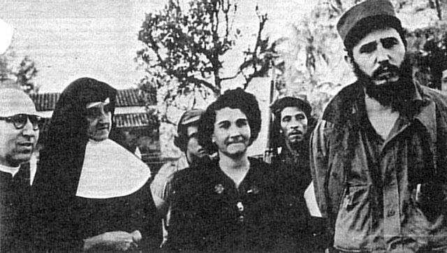 """Fidel Castro foi """"um fervoroso crente em Deus"""", escreveu o jornal """"The Washington Post"""" sobre as cartas do ditador na prisão. """"Letters From Prison: Castro Revealed"""" 25-02-2007."""