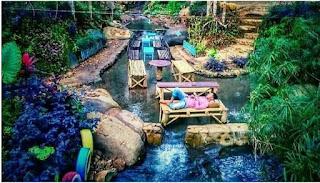 Angkringan Taman Sungai Sumber Biru Jombang yang Menarik untuk dikunjungi