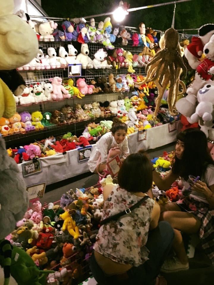 ขายอะไรดีตลาดนัด ขายตุ๊กตา