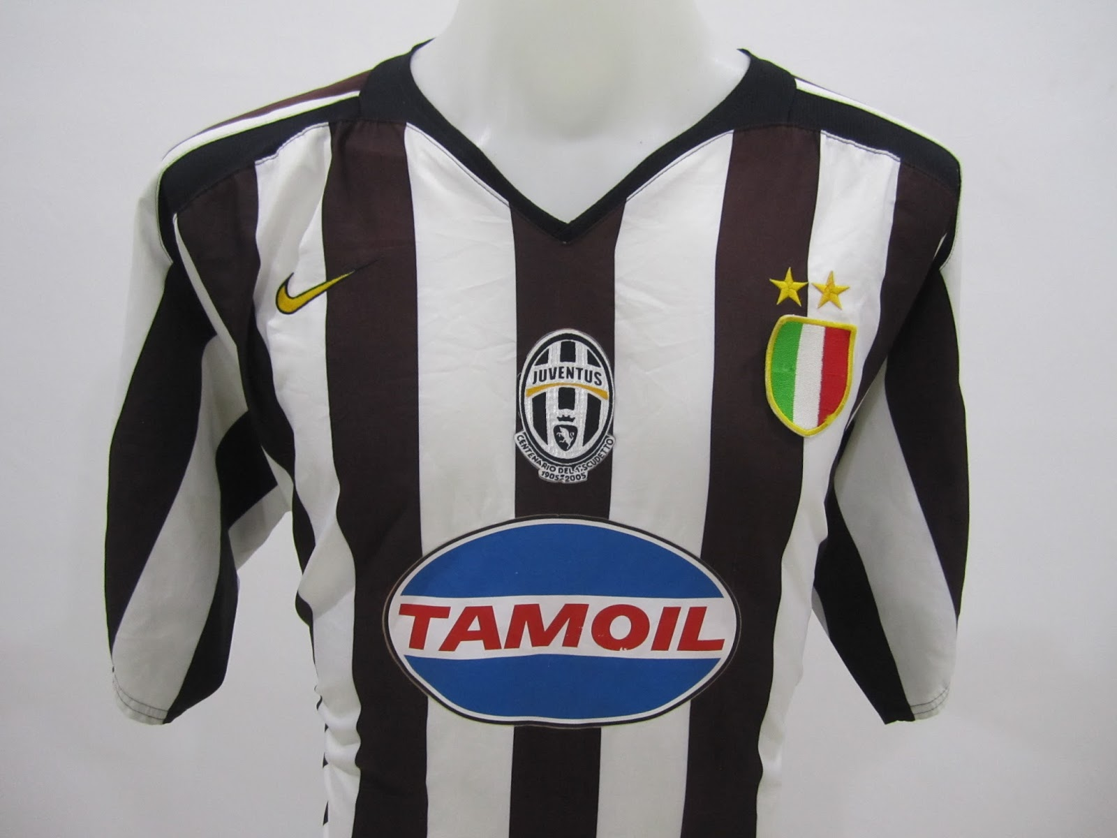 uk availability 2d1f8 ee09d BundleWalla: Juventus Home Centernario Jersey 2005