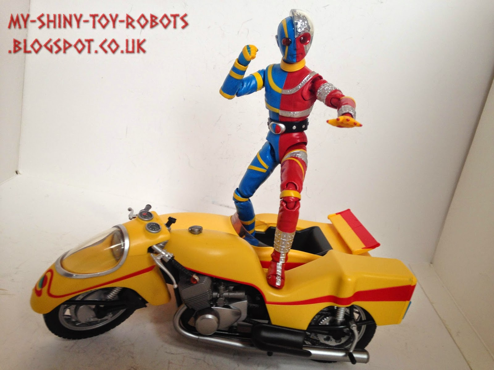 Kikaider ready for action