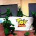 Militares de Toy Story se alzan contra Maduro