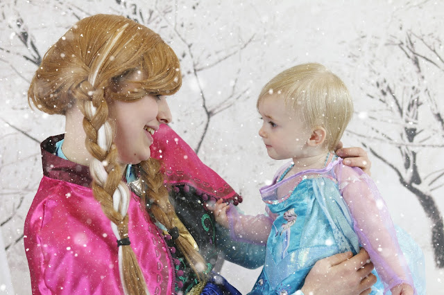 children's frozen themed photo shoot