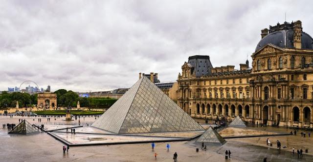 Louvre Museum oleh Ieoh Ming Pei
