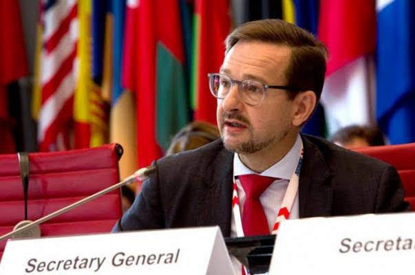 Secretario General de la OSCE Thomas Greminger llega a Armenia