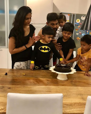 kids-drool-over-allu-birthday-cake
