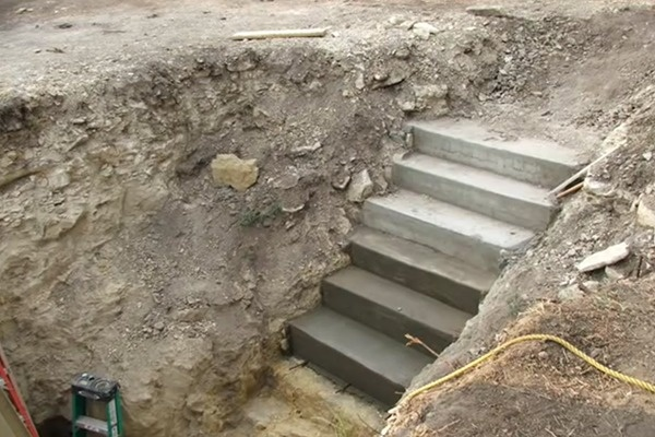 This Guy Digs A Massive Hole In His Backyard. What He Discovered In The Hole Will Make Everyone Jealous!