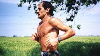 http://carreraspormontana.com/noticias/yiannis-kouros-la-leyenda-viva-de-la-ultradistancia