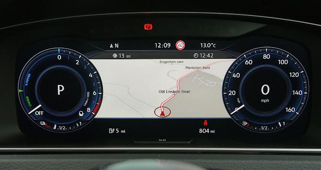 Volkswagen Golf GTE 2017 digital instruments