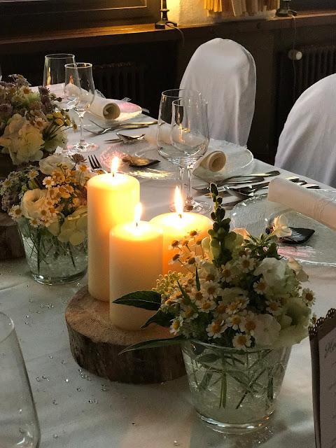Tischdekoration, Hochzeit in Gelb, Sommer, Sonne, Natur, Sommerhochzeit am See in den Bergen, Riessersee Hotel Garmisch-Partenkirchen, Hochzeitsplanerin Uschi Glas