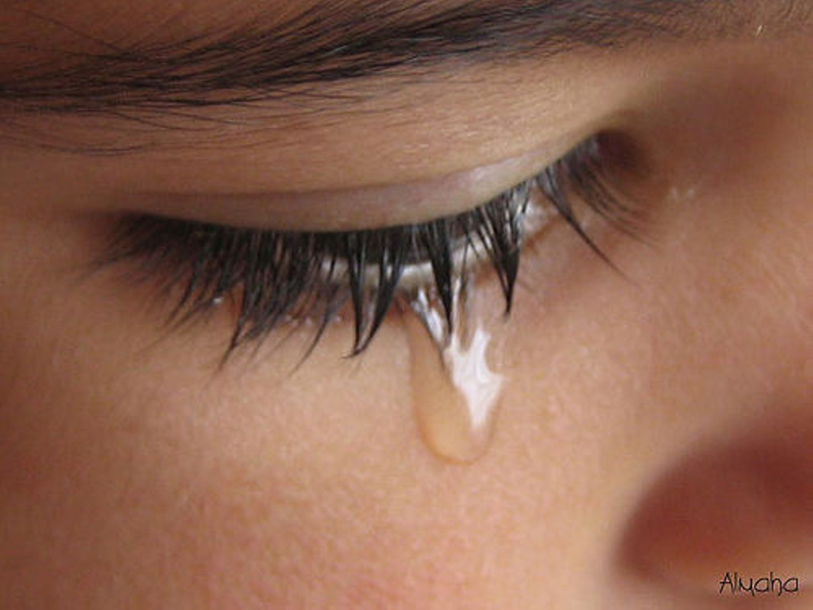 what to do when a woman cries