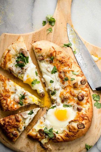 Как приготовить пиццу с перцем и яичницей