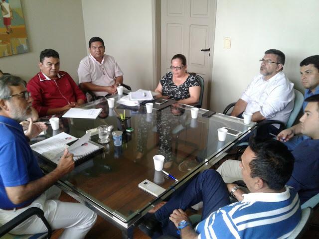 Governo do Amazonas avalia retomada do apoio ao Festival Folclórico de Parintin
