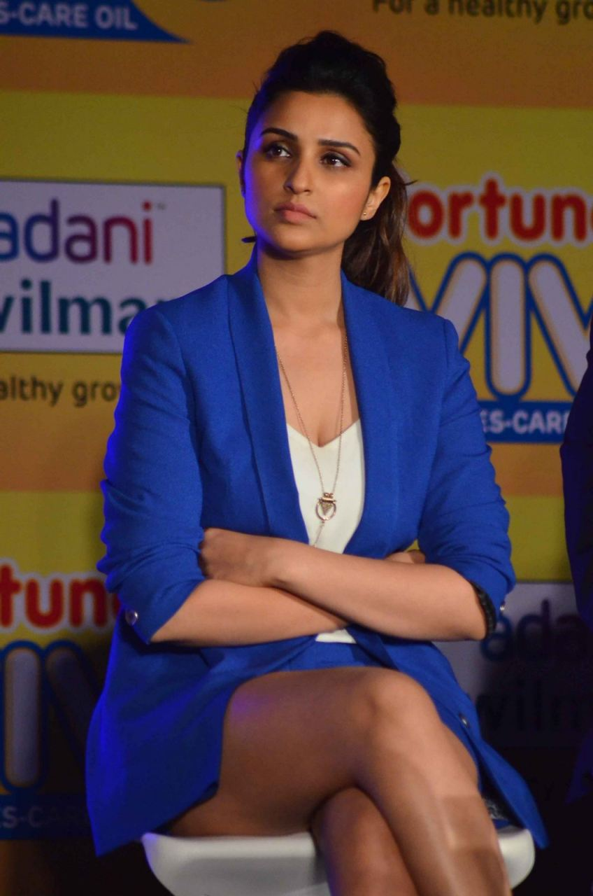 Parineeti Chopra Thigh Show Photos In Blue Dress