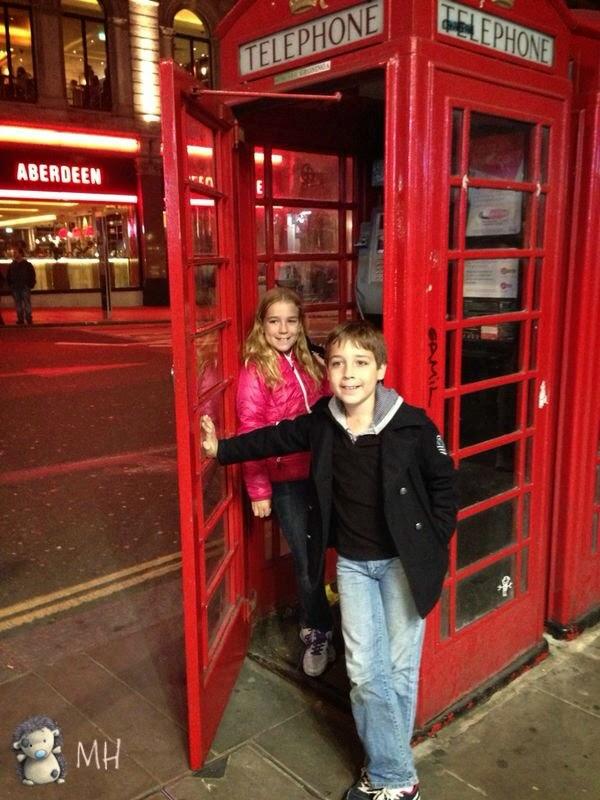 cabina de teléfonos londinense