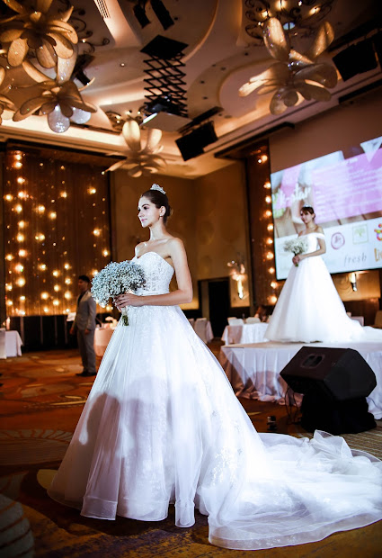 Timeless Elegance - Korean Bridal Runway Show Louvre Mongabong