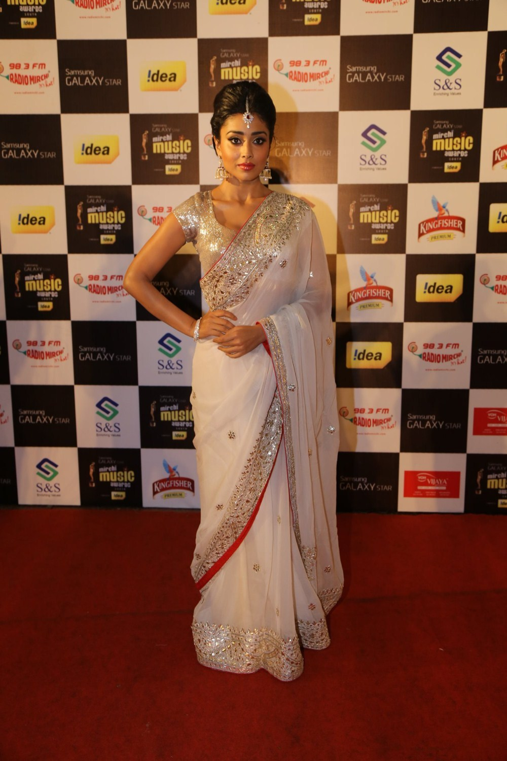 Shriya Saran Latest 2016 Hot Photos In White Saree