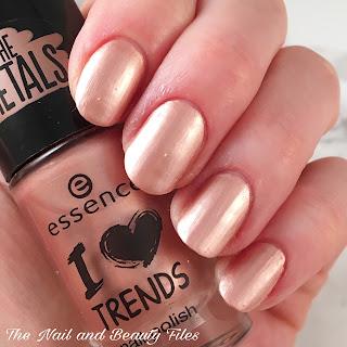 Essence Cosmetics, The Metals Nail Polish