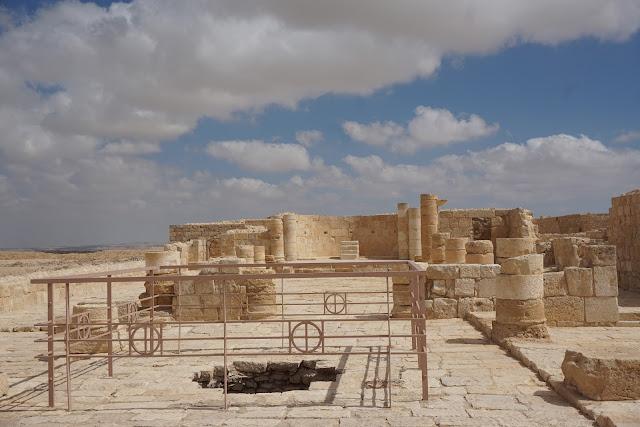 כנסייה עתיקה בעבדת