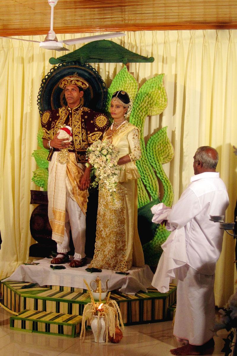 sri lankan wedding poruwa shiny wedding halls