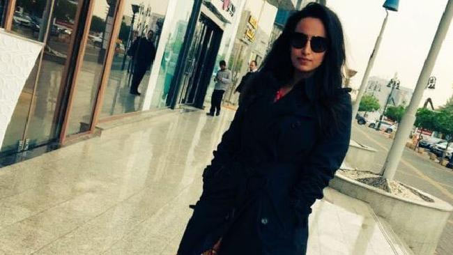 Saudi Arabia police arrest woman for sharing picture on Twitter without hijab