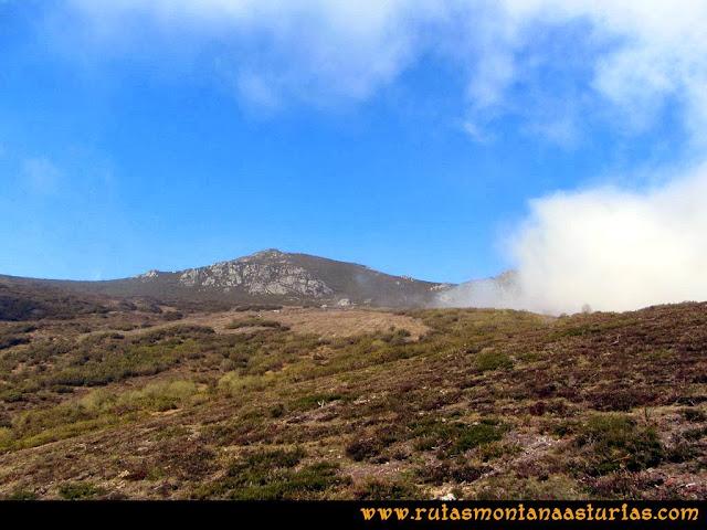 Ruta peña Manteca o Horru: Niebla queriendo entrar