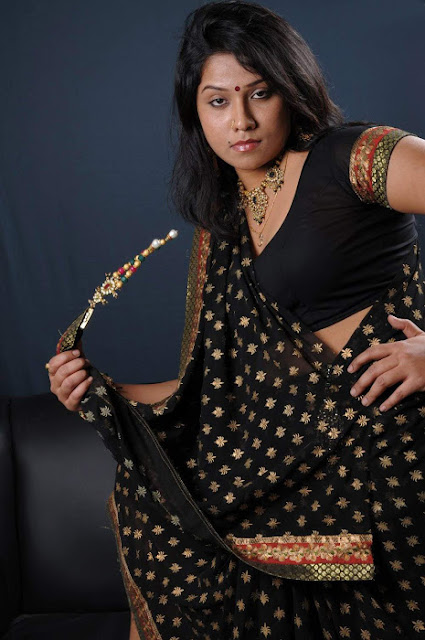 jyothi in saree wallpapers