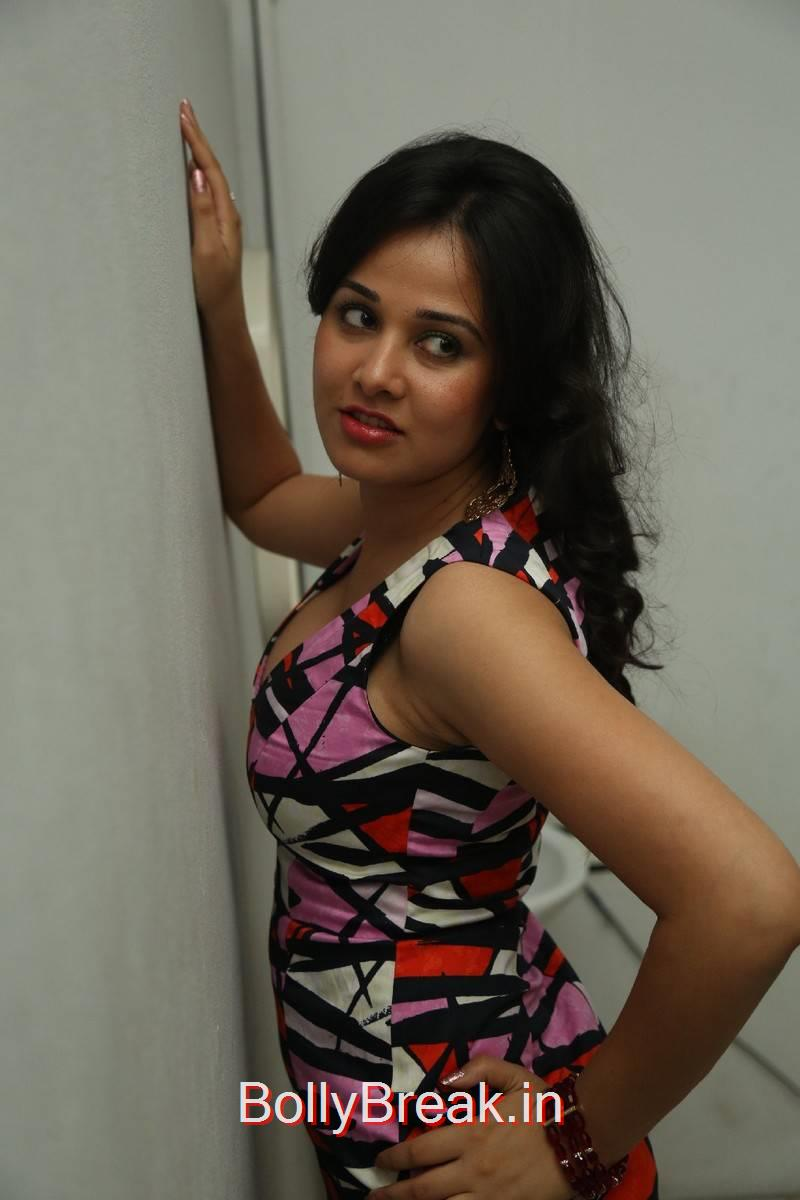High Quality Nisha Kothari Pics, Hot Pics of Nisha Kothari  from Criminals Movie Teaser Launch