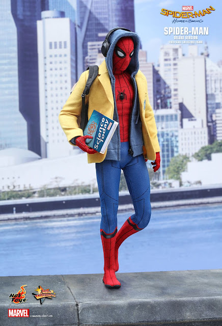 osw.zone Hot Toys MMS426 Spider-Man: Homecoming 1/6 scale Tom Holland as Spider-Man (Deluxe Version) 12-inch (28.5cm) collector figure