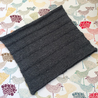 Simple yet effective cowl by Tin Can Knits