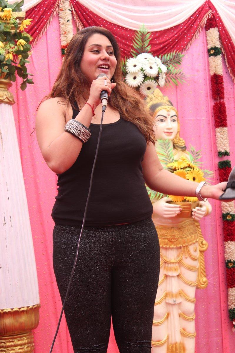 Namitha At Js Paradise Family Marriage Hall Launch Photo -9385