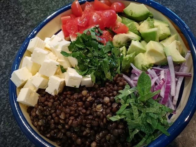 #28daysofblogging…Belugalinsensalat mit Avocado und Feta