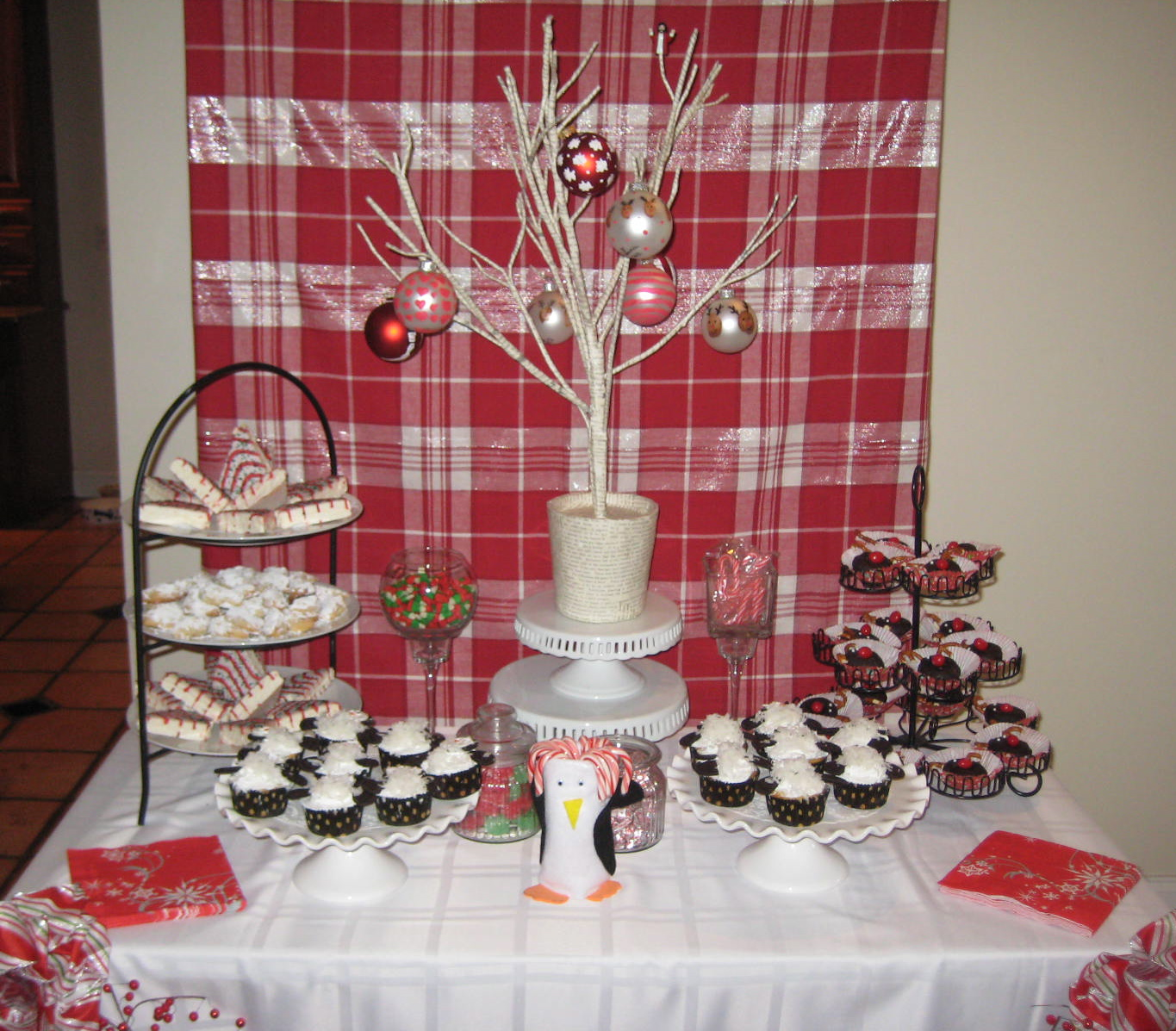 Christmas Party Themes: Creative Party Ideas By Cheryl: Christmas Pajama Party