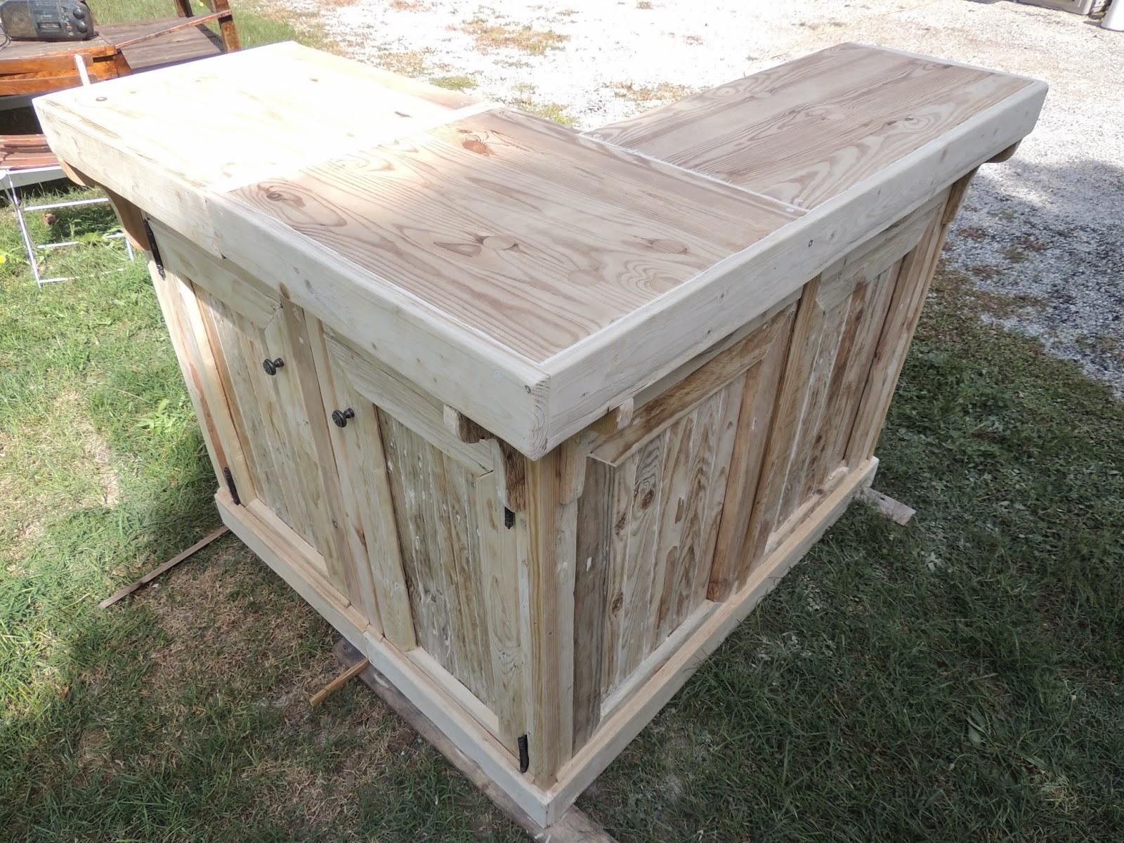 bar en palette suprieur construire un meuble en palette. Black Bedroom Furniture Sets. Home Design Ideas