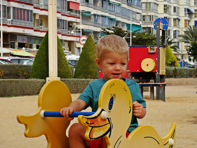 place zabaw dla dzieci Hiszpania