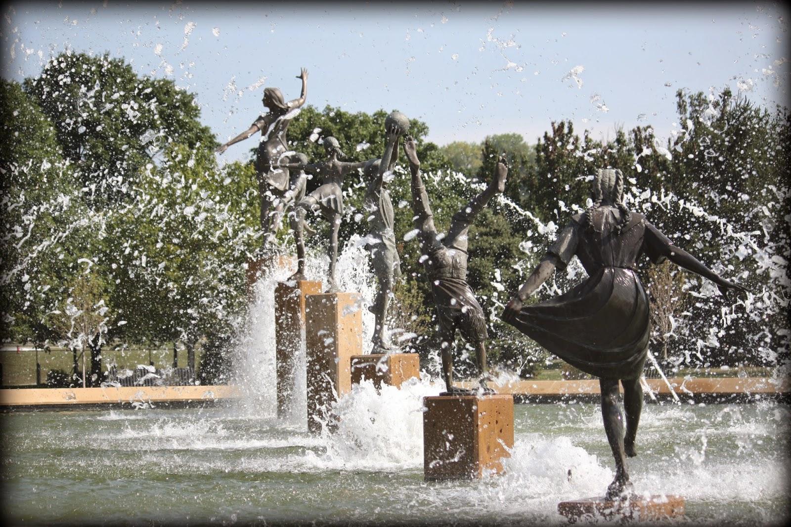 tour of missouri kansas city fountains. Black Bedroom Furniture Sets. Home Design Ideas