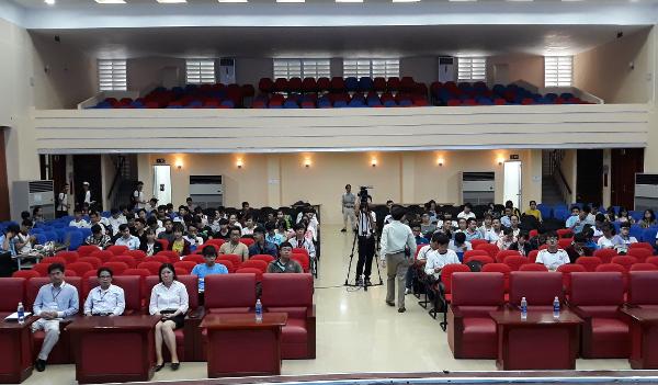 Hội thảo 'Tìm kiếm và khai thác nguồn tài nguyên thông tin truy cập mở cho nghiên cứu và giảng dạy' tại Đại học Sư phạm Kỹ thuật TP. Hồ Chí Minh