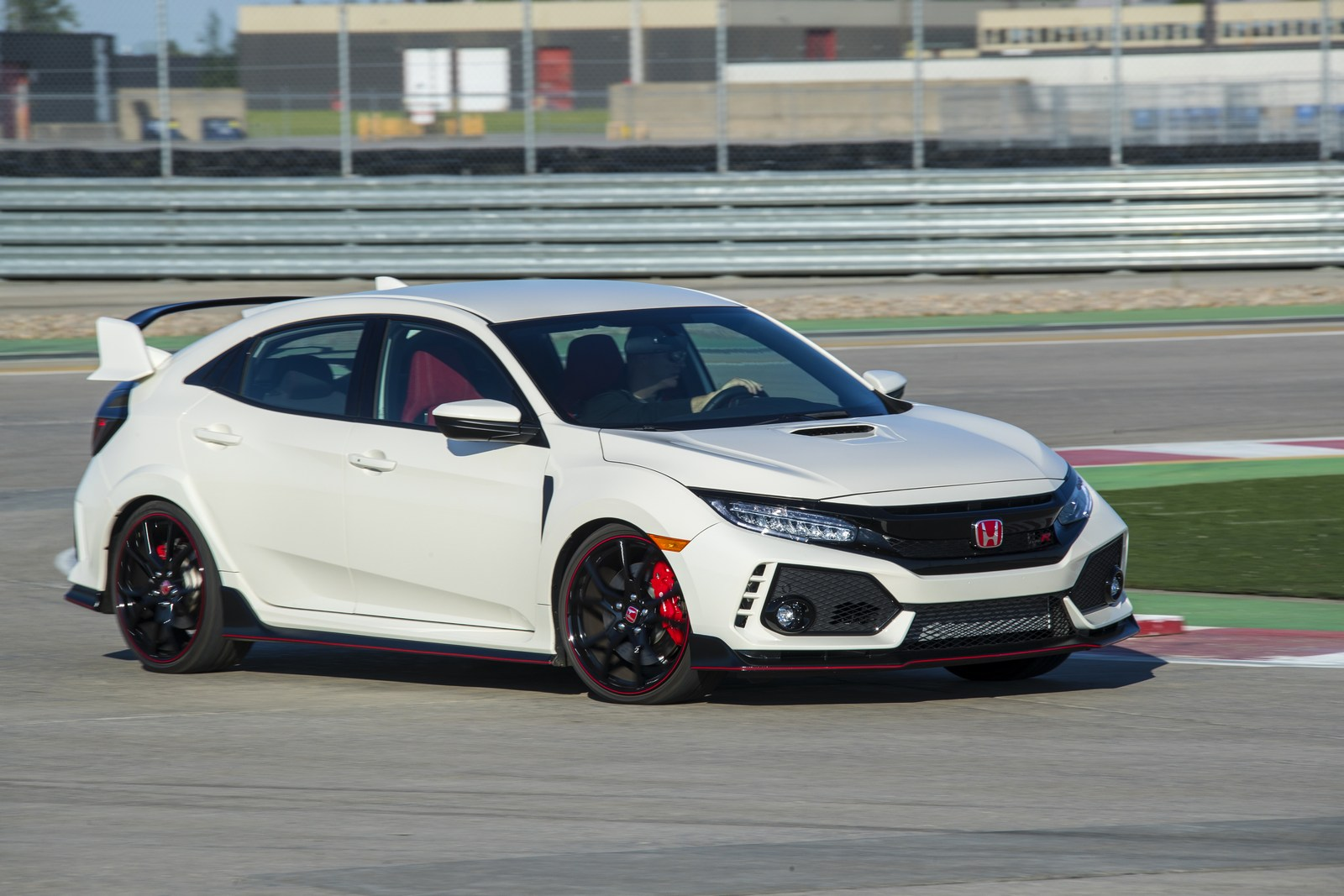 2018 honda civic type r price bumped to 34 100 no entry level. Black Bedroom Furniture Sets. Home Design Ideas