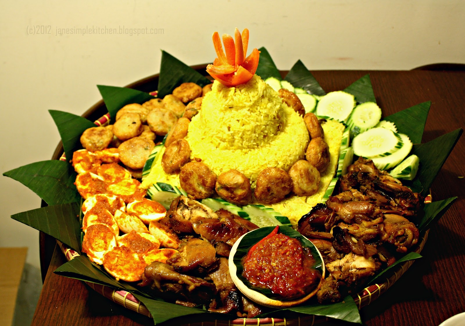 Friends And Tumpeng Cake Ideas And Designs
