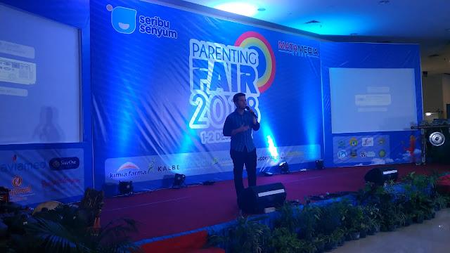 Menjadi Pembicara dalam Parenting Fair 2018, Emil Dardak menekankan Pentingnya Membangun Komunikasi dengan Anak