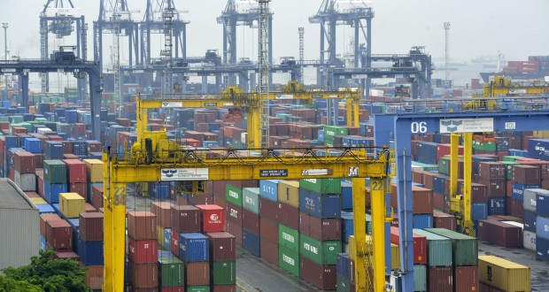 Strategi perdagangan backtesting dengan r