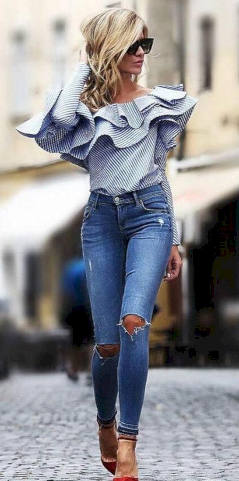 awesome outfit idea / one shoulder ruffle top + ripped jeans + red heels