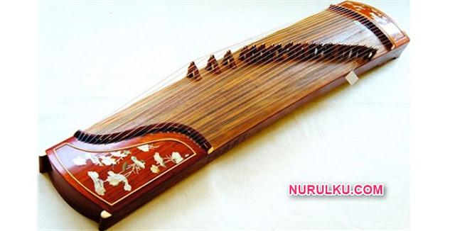 Gambar alat musik tradisional korea gayageum