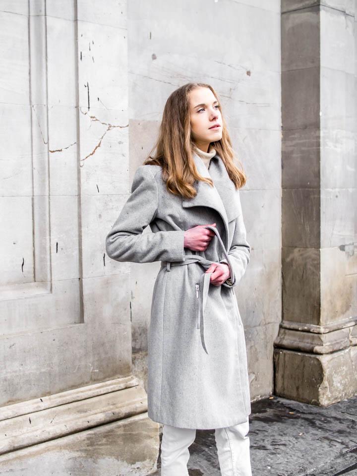 Minimal and chic Scandinavian style outfit with grey wool coat - Minimalistinen ja skandinaavinen yksinkertainen asu harmaan villakangastakin kanssa
