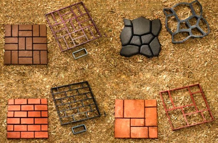 Diy construir un camino de cemento con forma de losas en el jard n guia de jardin - Baldosas de hormigon para jardin ...