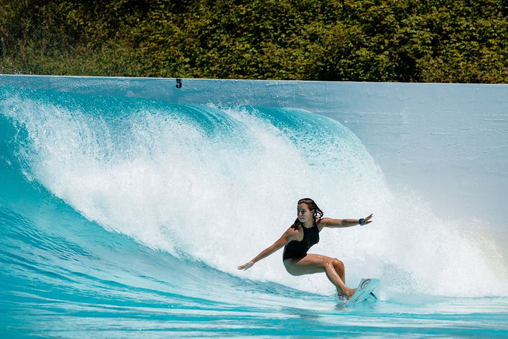 Spanish Team Surf the Wavegarden Cove