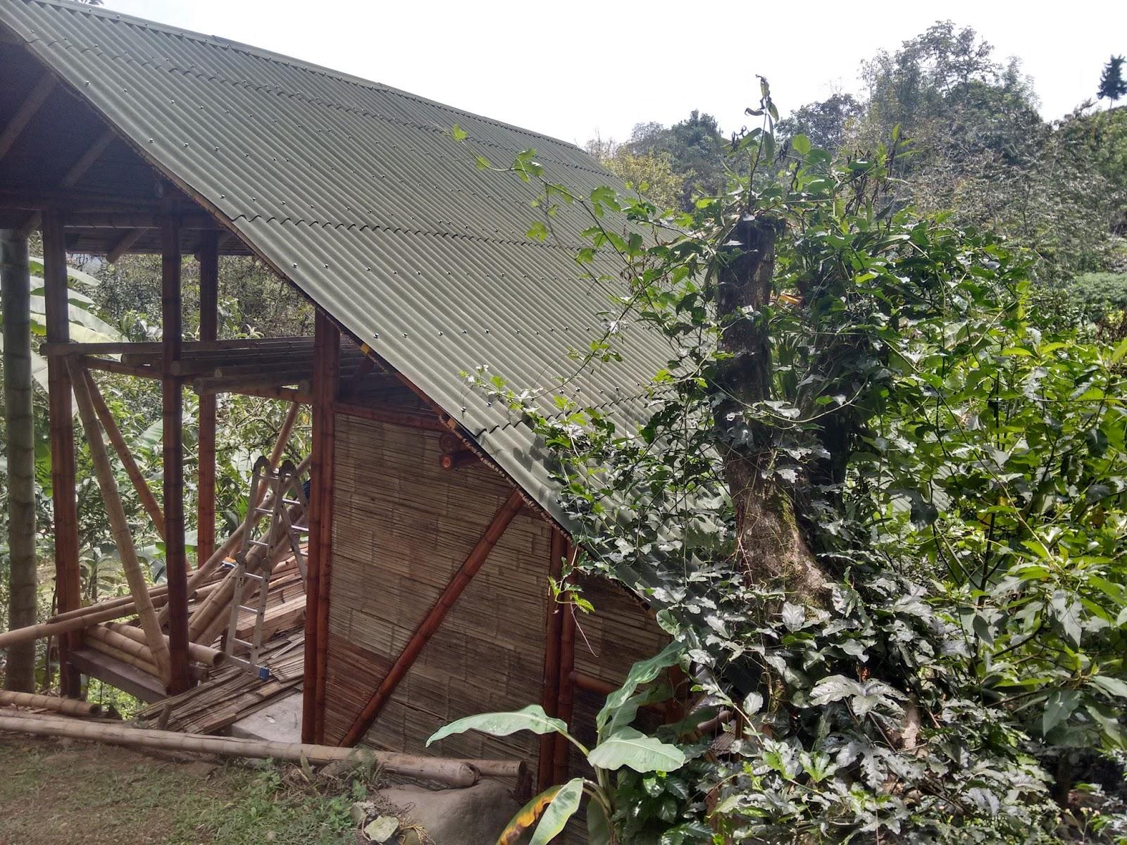 Construyendo aldeafeliz building an ecovillage una casa for Costruendo su una casa di ranch