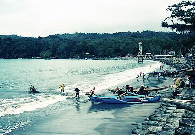 pantai eksotis cipatujah tasikmalaya