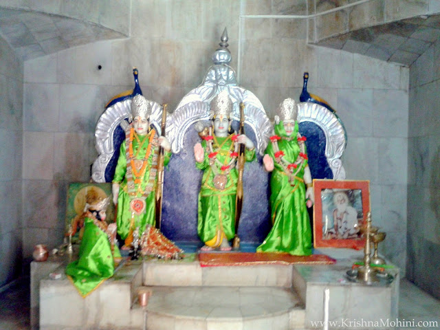 Image: Lord Shriram, Laxman and Sitaji